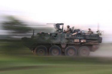 ルーマニアでNATO軍が間違えて農地で演習(動画あり)
