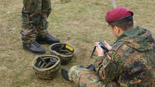 兵士 ヘルメット