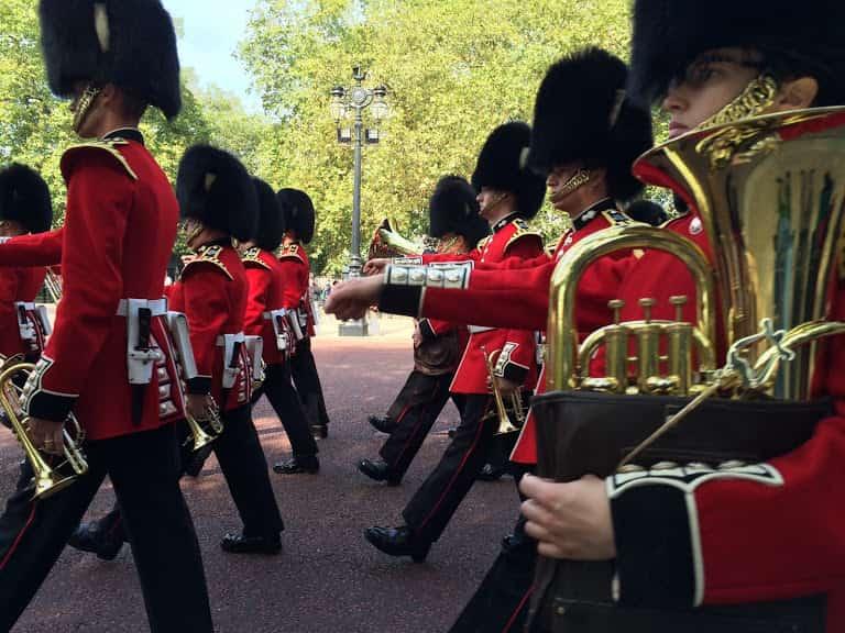 兵隊の行進、パレードには種類やテンポがある
