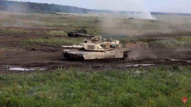 M1エイブラムス戦車と Т-72М戦車が戦闘!?(動画)