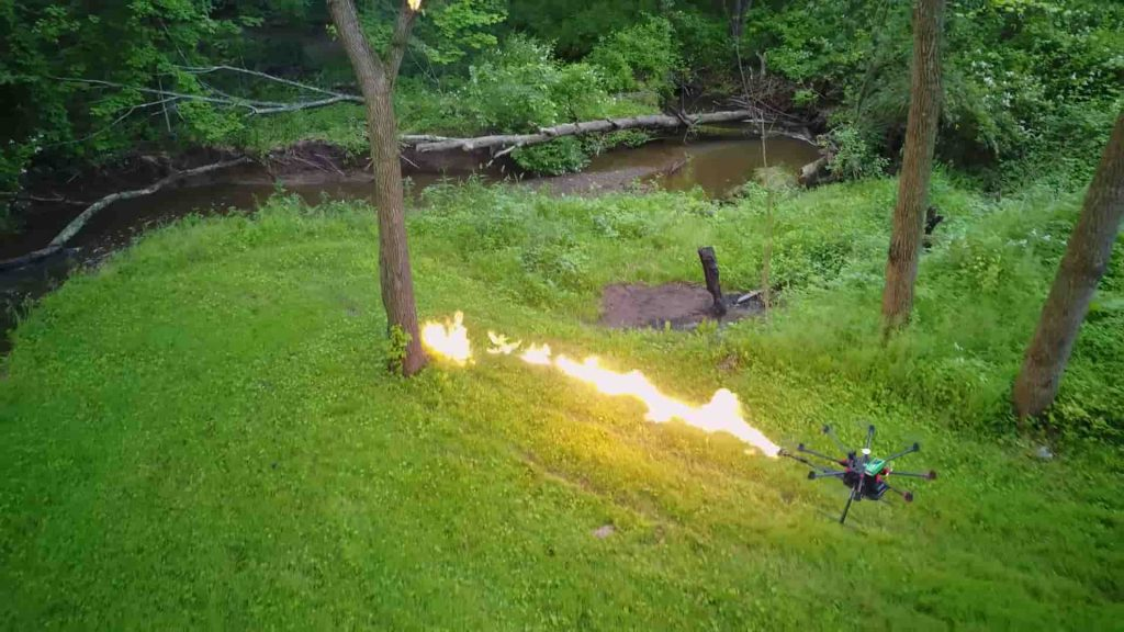 火炎放射器ドローン