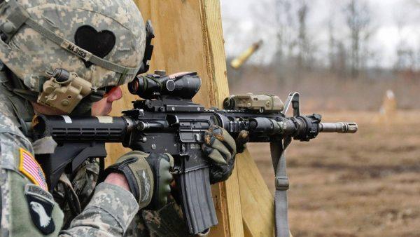 米海軍特殊部隊ネイビーシールズの銃装備18選