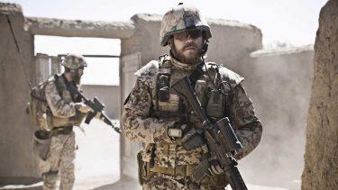 ある戦争|デンマーク発の戦争映画は戦争のある裏側を描く|戦争映画レビュー