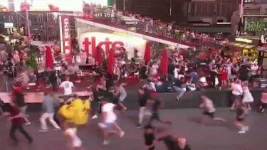 銃乱射の影響か、バイクの破裂音を銃声と勘違い逃げ惑う人々