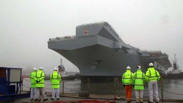 イギリス海軍2隻目の空母プリンス・オブ・ウェールズが試験航海に
