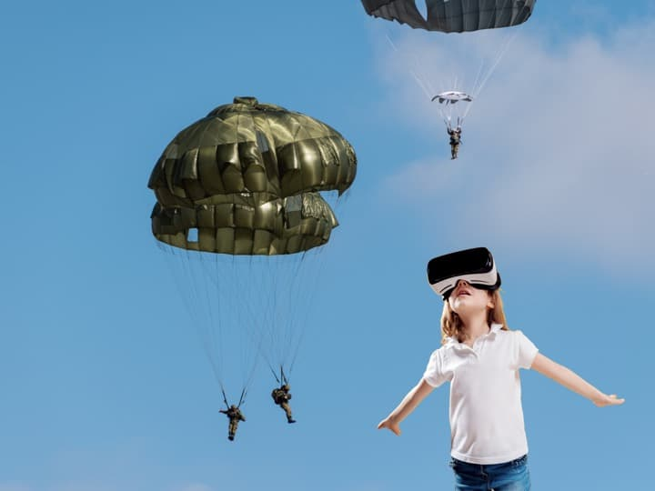 空挺団、10式戦車!陸上自衛隊の訓練を体験できるVR動画
