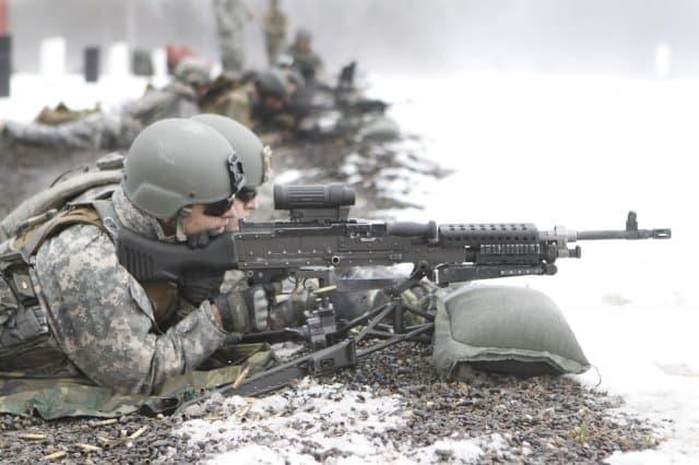 分隊支援火器(SAW)とは?支援火器・軽機関銃8選