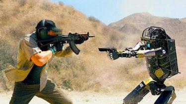 Bosstown Dynamicsのロボットが銃を撃つまでに進化!?