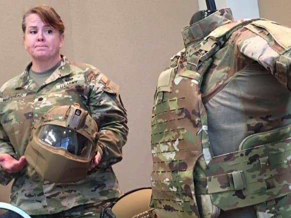 アメリカ陸軍の新型ヘルメットIHPSは首から上を保護します