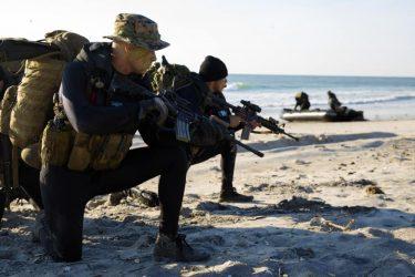 米海兵隊初の女性偵察兵(リーコン)が誕生か
