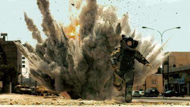 ハート・ロッカー|米軍爆弾処理班を描いた戦争映画|映画レビュー