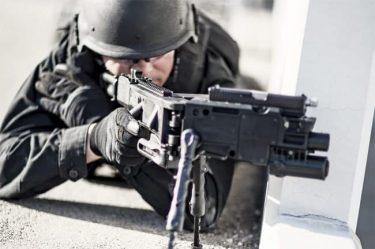 コーナーショット|銃が曲がる!?覗かなくても狙える銃
