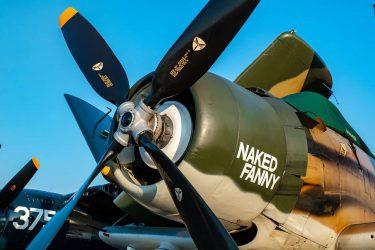 戦闘機のプロペラにはなぜ、機銃の弾が当たらないのか?