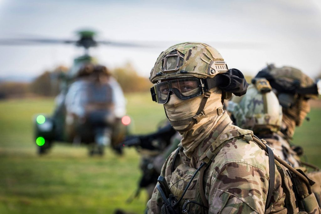 なぜ、米軍特殊部隊は顔をマスクで隠さないのか?