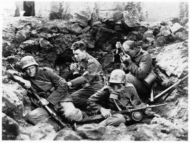 『西部戦線異状なし』がドイツ映画としてリメイク