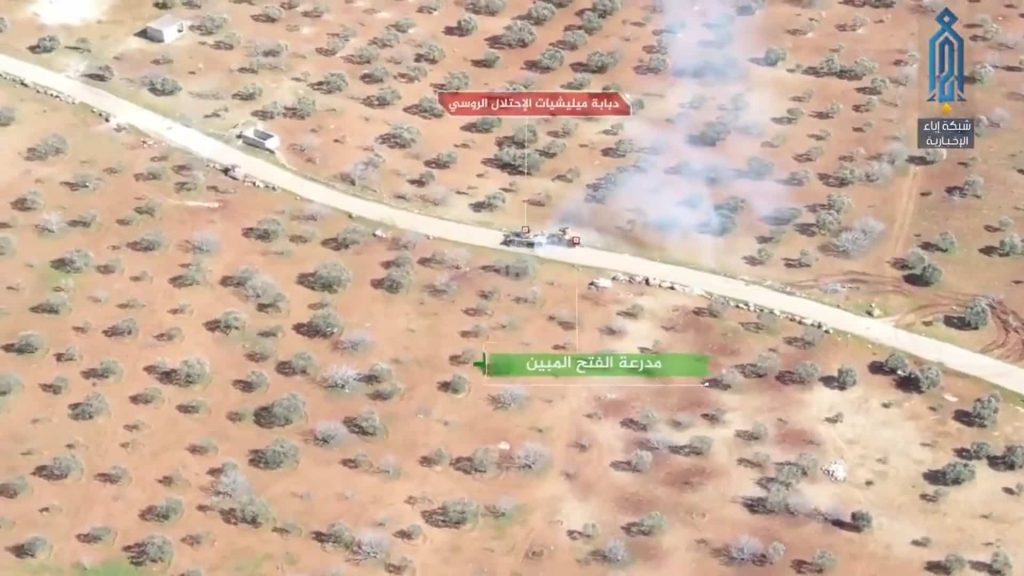 T-72戦車とACV-15装甲車の戦闘が撮影されるが戦車がまさかの敗走