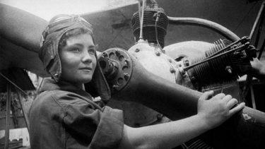 ナイトウィッチ・夜の魔女といわれた女性部隊|第46親衛夜間爆撃航空連隊