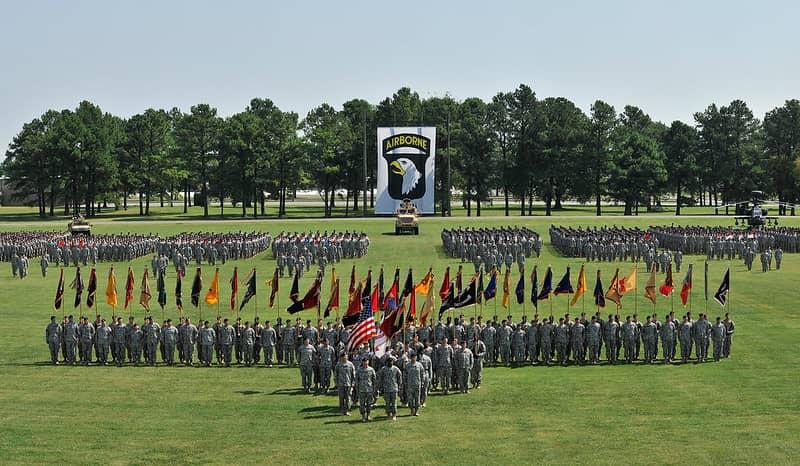 師団と旅団と連隊の違い
