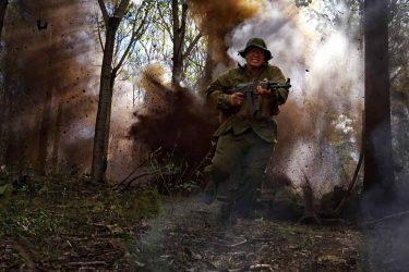 ベトナム戦争映画『デンジャー・クロース』本編映像の冒頭108秒間を大公開!