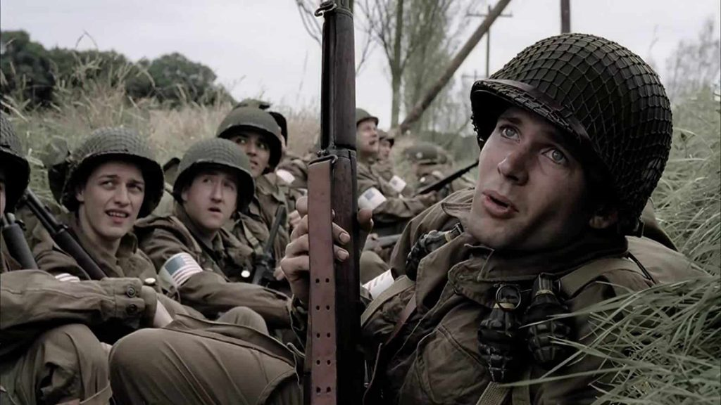 第二次世界大戦で米軍兵士がヘルメットのあご紐をしなかった理由