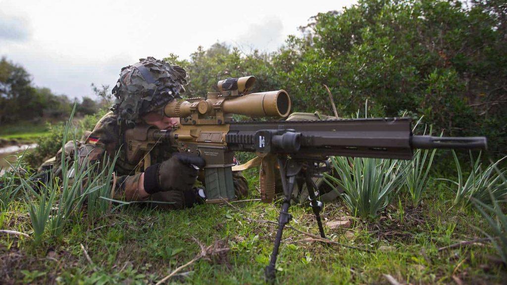 HK417をベースにしたマークスマンライフルG28とM110A1