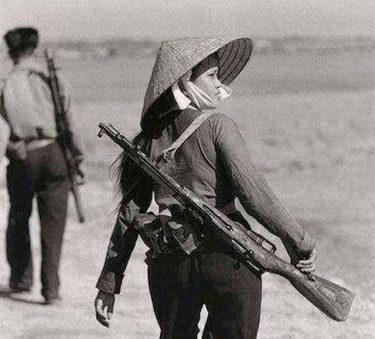 アパッチ|米軍が恐れた北ベトナムの女性スナイパー