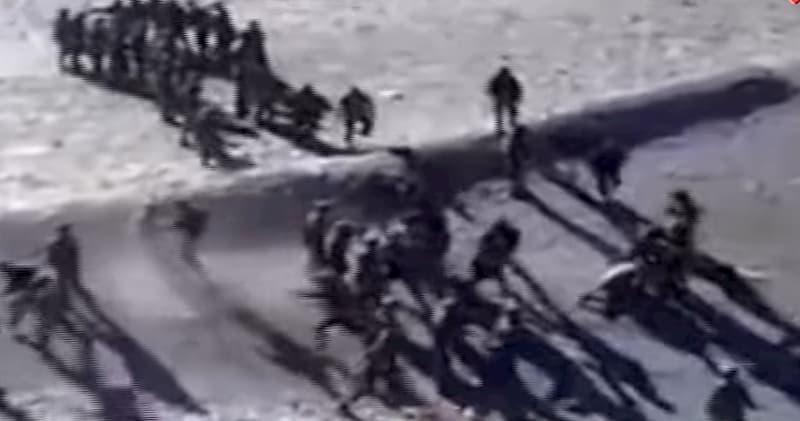 インド軍と中国軍が国境で戦闘!石を投げ殴り合う動画が撮影される