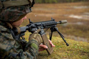 HK416とM4との比較、どこが優れている?