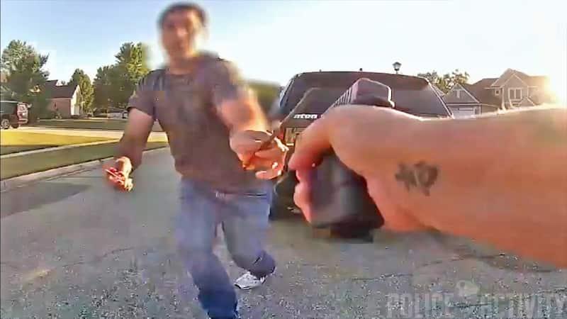 マスク論争で銃撃の模様がボディカメラに撮影される