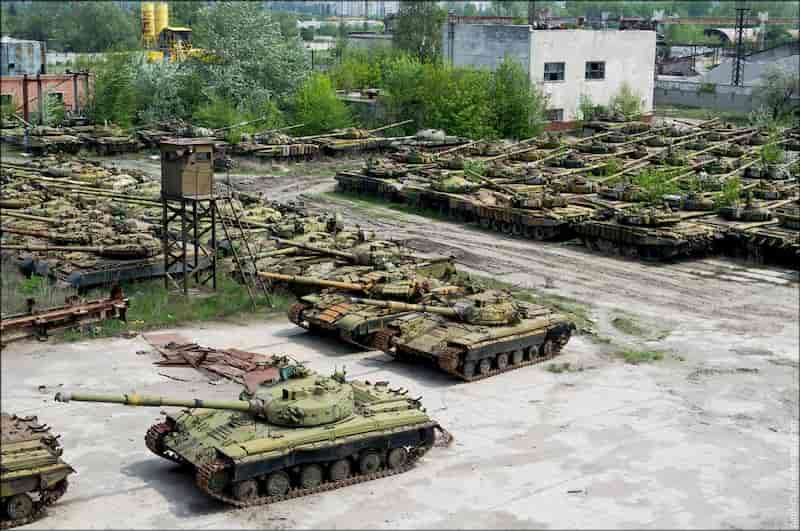 戦車の墓場、ウクライナのハリコフ戦車修理工場