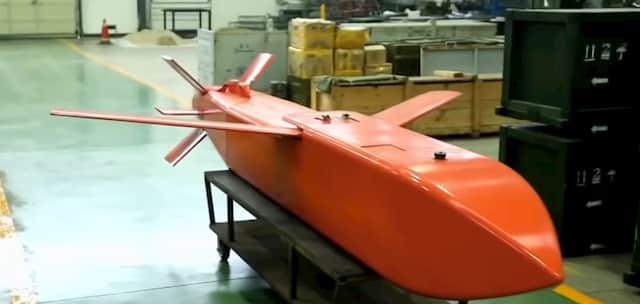滑走路を無効化する中国のクラスター誘導爆弾
