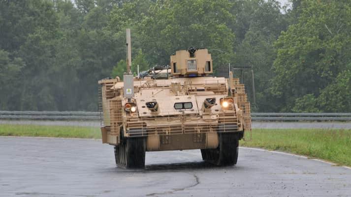 AMPV多用途装甲車両の初の量産モデルが米軍に納入