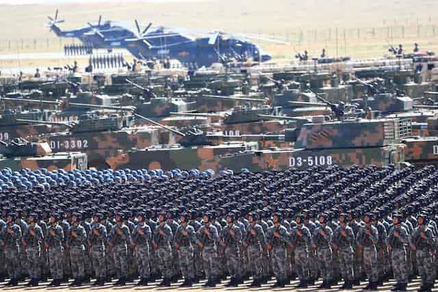 中国軍は今後10年で核弾頭を二倍、2049年までに軍事力は米軍と並ぶかもしれない