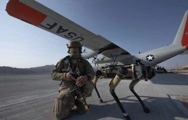 警備犬はいなくなる?米空軍がロボット犬を配備