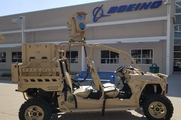 米空軍がUTVに搭載した移動式レーザー兵器によるドローンの撃墜に成功
