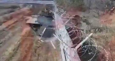酔ったロシア兵がBMP-3戦闘車で空港の壁を破壊