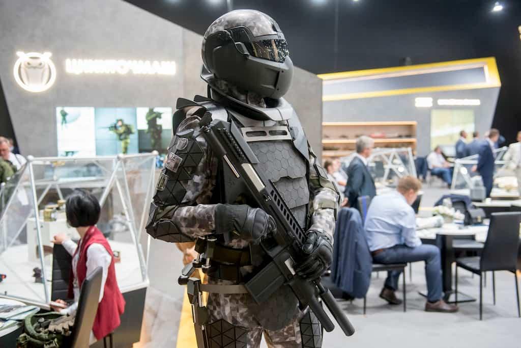 ロシア軍は8年間で30万着のRatnik戦闘スーツを受け取った