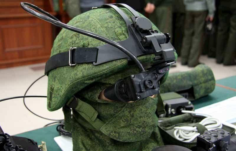 ラトニク ヘルメット