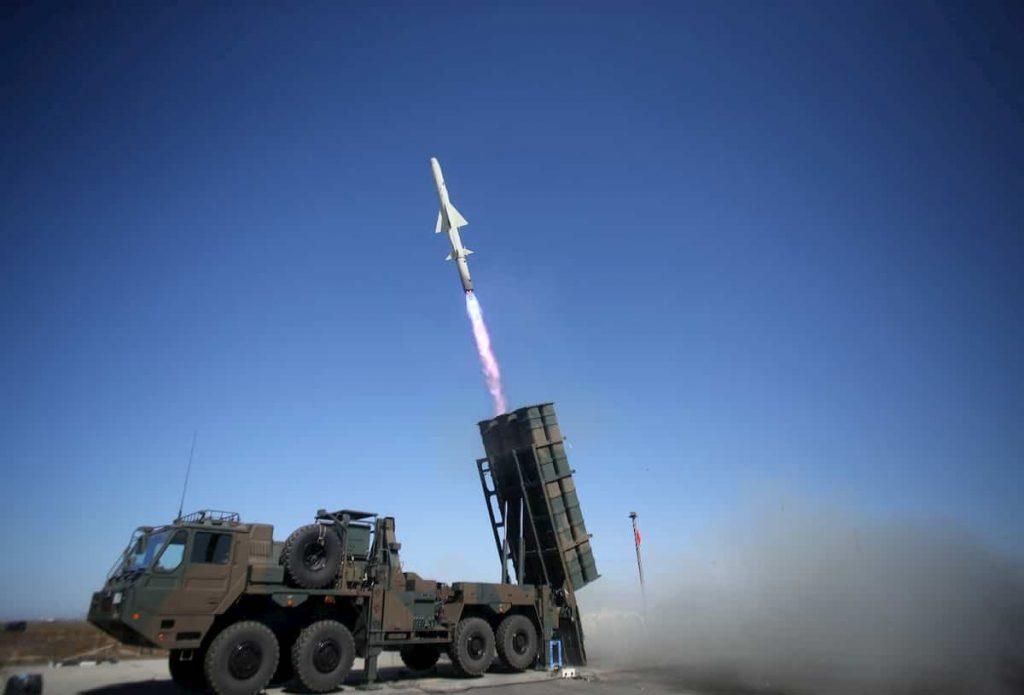 自衛隊は12式地対艦誘導弾の射程が足りないので開発費を増額して延ばします