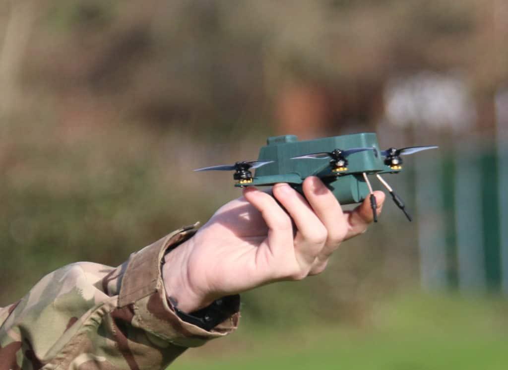 英陸軍が採用を検討する偵察ナノドーロン「Bug」
