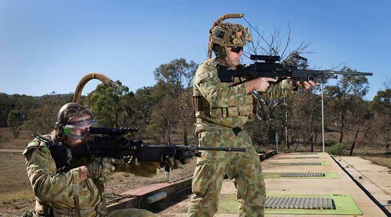 立ちながらでも安定して軽機関銃が撃てるReaperサポートシステム