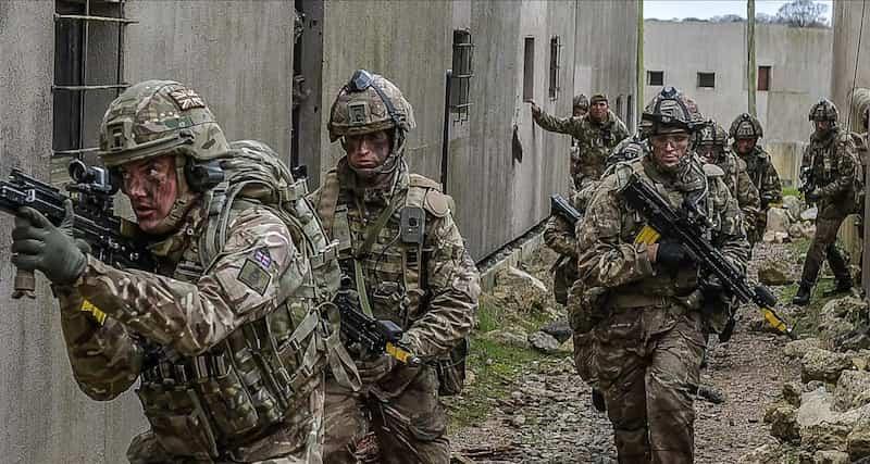 英軍には王立海軍、王立空軍があるのに、王立陸軍はありません