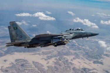 高価なF-15戦闘機で安価な自爆ドローンを撃墜。費用対効果は最悪です