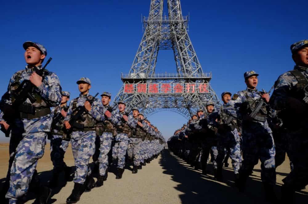 中国の朱日和訓練基地には台湾やエッフェル塔を再現した施設があります