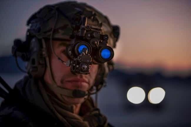エルビット・システムズが米海兵隊と新しい双眼鏡暗視ゴーグル(SBNVG)の供給を契約