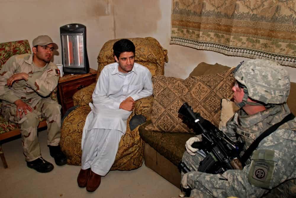 米軍の撤退を前にアフガニスタン人の通訳は命の危険から米国への移住を求めています