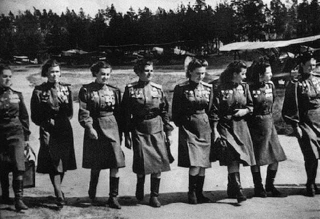 女性爆撃部隊ナイトウォッチ