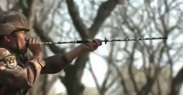 中国人民解放軍の特殊部隊は吹き矢を使い毒矢を飛ばす