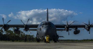 88人を救ったAC-130Jゴーストライダーの乗員に殊勲飛行十字章を授与