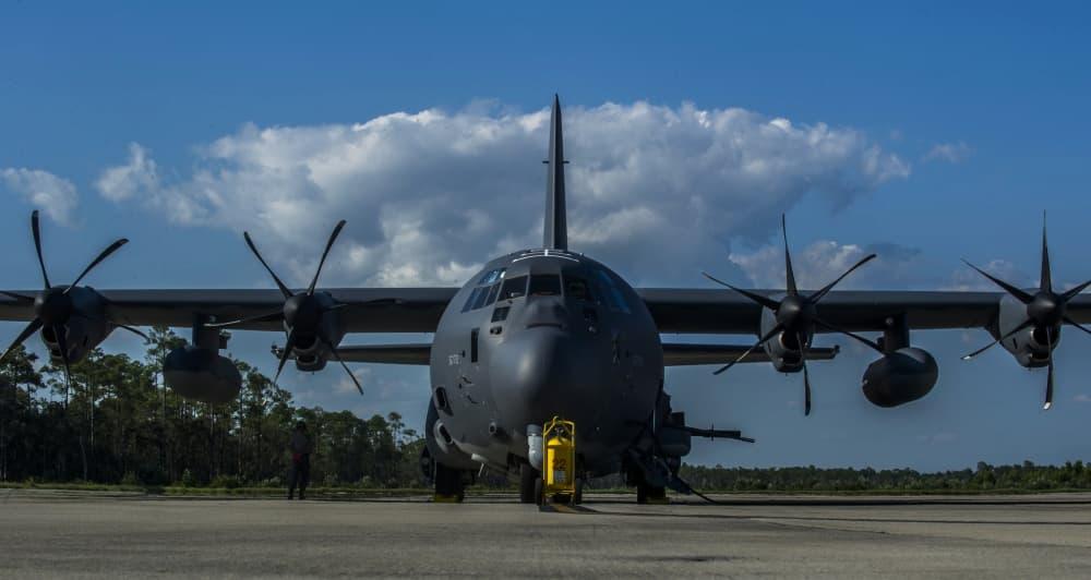 88人を救ったAC-130Jゴーストライダーの乗員に殊勲飛行十字章が授与